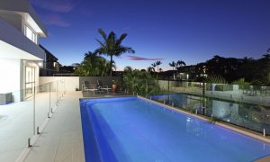 Casa Vacanze - Broadbeach Waters - Pool