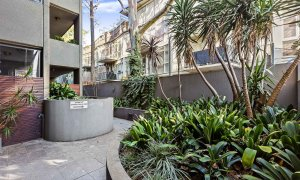 Catani Gardens - St Kilda - Building Pathways