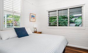Cavvanbah Seaside Cottage - Byron Bay - Bedroom Master c
