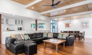 Cavvanbah Seaside Cottage - Byron Bay - Lounge and living
