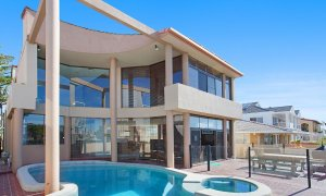 Chevron Oasis - Gold Coast - Outdoor Area