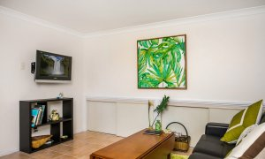 Chez Boulers - Lennox Head - Ballina - Lounge room and TV