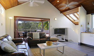 Clarkes Beach Villa - Living Area
