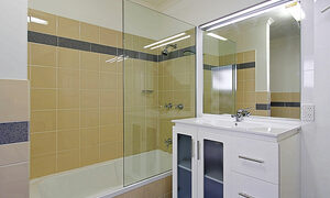 Clarkes Beach Villa - Bathroom