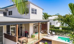 Clique 2 - Byron Bay - Front of House and Pool b