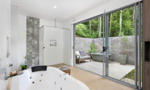 Currumbin Heights - Currumbin - Bathroom Studio