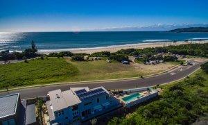 Bluewater House - Opposite Belongil Beach