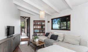 Eastern Rise Studio - Byron Bay Hinterland - Lounge Room with TV