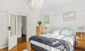 Elanora by The Bay - St Kilda - Bedroom 1b