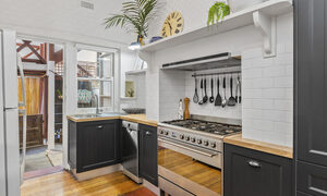 Elanora by The Bay - St Kilda - Kitchen