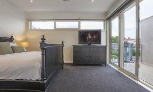 Elwood Hideaway - Elwood - Bedroom 1b