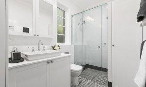Frankies Place - Malvern - Bathroom