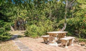 Gigis - Byron Bay - Walking Track to Beach a