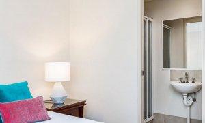 Heathers Hideaway - Byron Bay - Master Bedroom And Ensuite