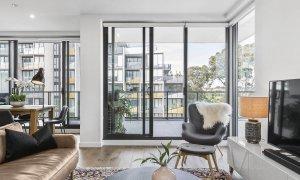 Heathland Views - Sandringham - Living Area and Balcony