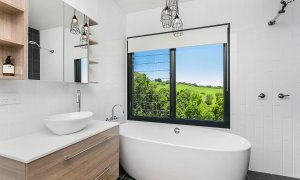 Coorabell Cottages - Rainforest Cottage - Bathroom