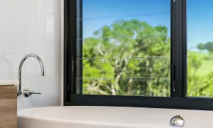 Coorabell Cottages - Rainforest Cottage - Bathtub