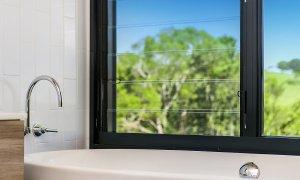 Coorabell Cottages - Rainforest Cottage - Bathtub