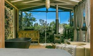PT's - Resort Style Luxury - Bathtub