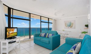 Imperial Surf - Gold Coast - Living Area and Dining Area