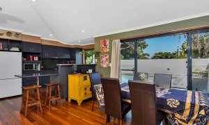 Jannah - Lennox Head - Dining and kitchen