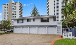 Jansea - Gold Coast - Building Rear