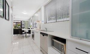 Jansea - Gold Coast - Kitchen a