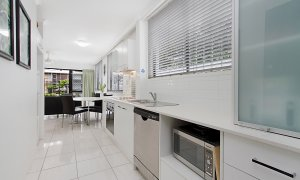 Jansea - Gold Coast - Kitchen a