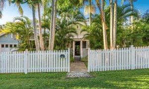 Kia Ora - Byron Bay - Front gate of house