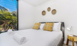Kiah Beachside - Belongil Beach - Byron Bay - downstairs queen room