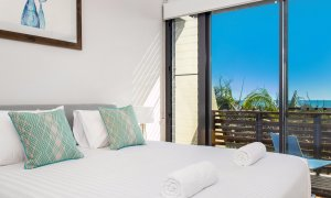 Kiah Beachside - Belongil Beach - Byron Bay - master bedroom