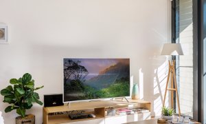 Kiah Beachside - Belongil Beach - Byron Bay - large curved screen TV