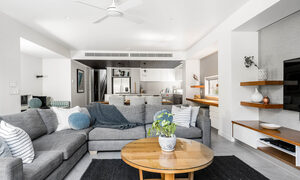 Kokos Beach House 1 - Byron Bay - Lounge Towards Kitchen