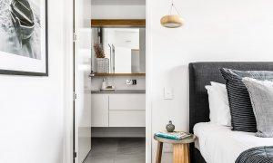 Kokos Beach House 1 - Byron Bay - Master Bedroom Poolside d