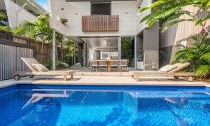 Kokos Beach House 1 - Byron Bay - Pool and House b