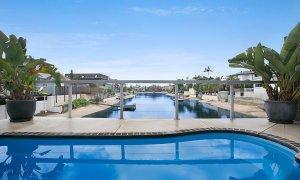 La Casetta - Broadbeach - Pool and views