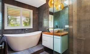 La Provence Mt Eliza - Bathroom with bath