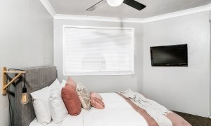 Lazy Dayz - Surfers Paradise - Bedroom 2