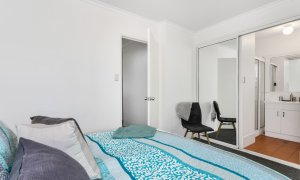 Mahogany Lodge - Byron Bay - master bedroom