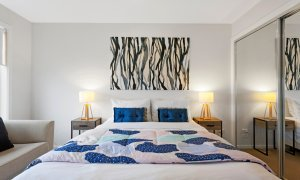 Manallack Apartments Whiteley - Melbourne - Queen Bedroom 1