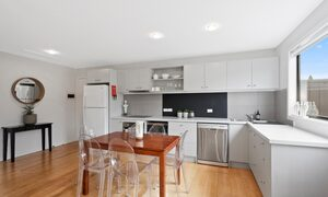 Manallack Studios Whiteley - Kitchen and dining