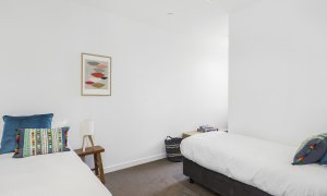Maybloom - Hawthorn - Bedroom 2