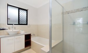 Mermaid Oasis - Mermaid Beach - Gold Coast - Bathroom