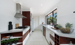 Mermaid Oasis - Mermaid Beach - Gold Coast - Kitchen
