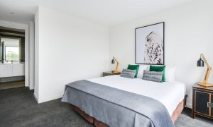 Murrumbeena Place 1 - Murrumbeena - Main Bedroom c