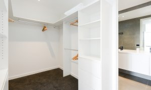 Murrumbeena Place 2 - Murrumbeena - Walk-in Closet