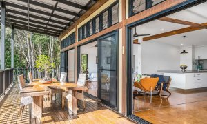 Ourmuli Cabin - Byron Bay - Outdoor Setting b