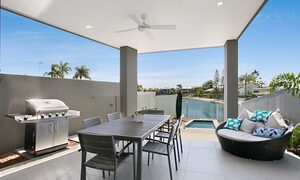 Pacific Breeze - Broadbeach - Alfresco area
