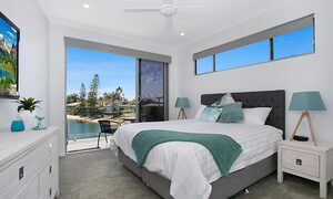 Pacific Breeze - Broadbeach - Bedroom 1
