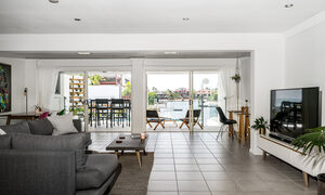 Pacifica - Broadbeach Waters - Living Area 3